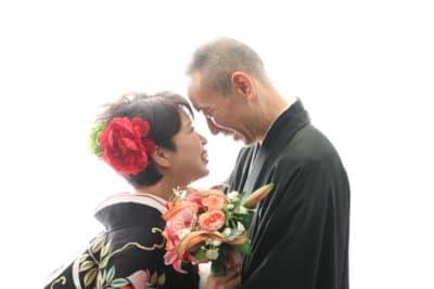 和装で結婚記念撮影